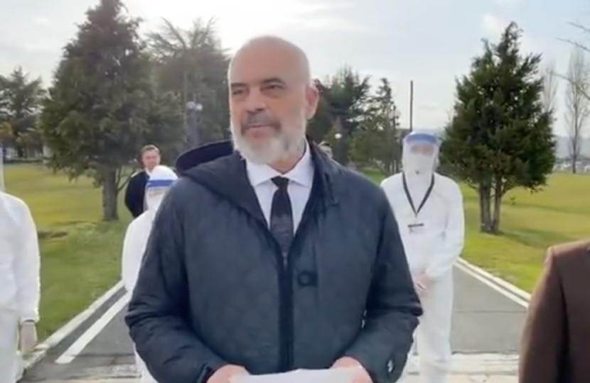 L'Albania accorre in aiuto al popolo italiano. Quando l'amicizia tra popoli esiste davvero.
