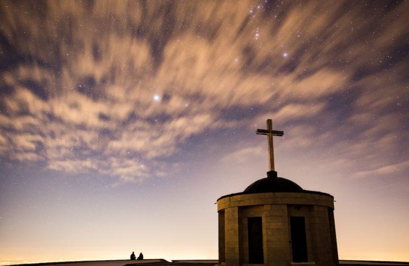 Storia di un canonista nell'ora del Covid-19: edifici di culto aperti o chiusi? Il sabato per l'uomo o l'uomo per il sabato?